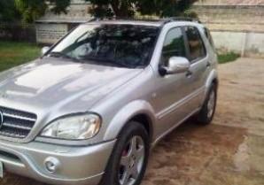 Mercedes ML 55 AMG: 2001